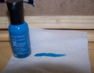 sally-hansen-blinding-blue