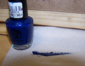 w7-dark-blue-polish